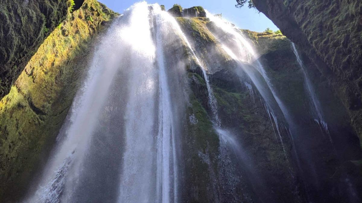 Gljúfrabúi Waterfall – Find this Hidden Wonder Close to Seljalandsfoss