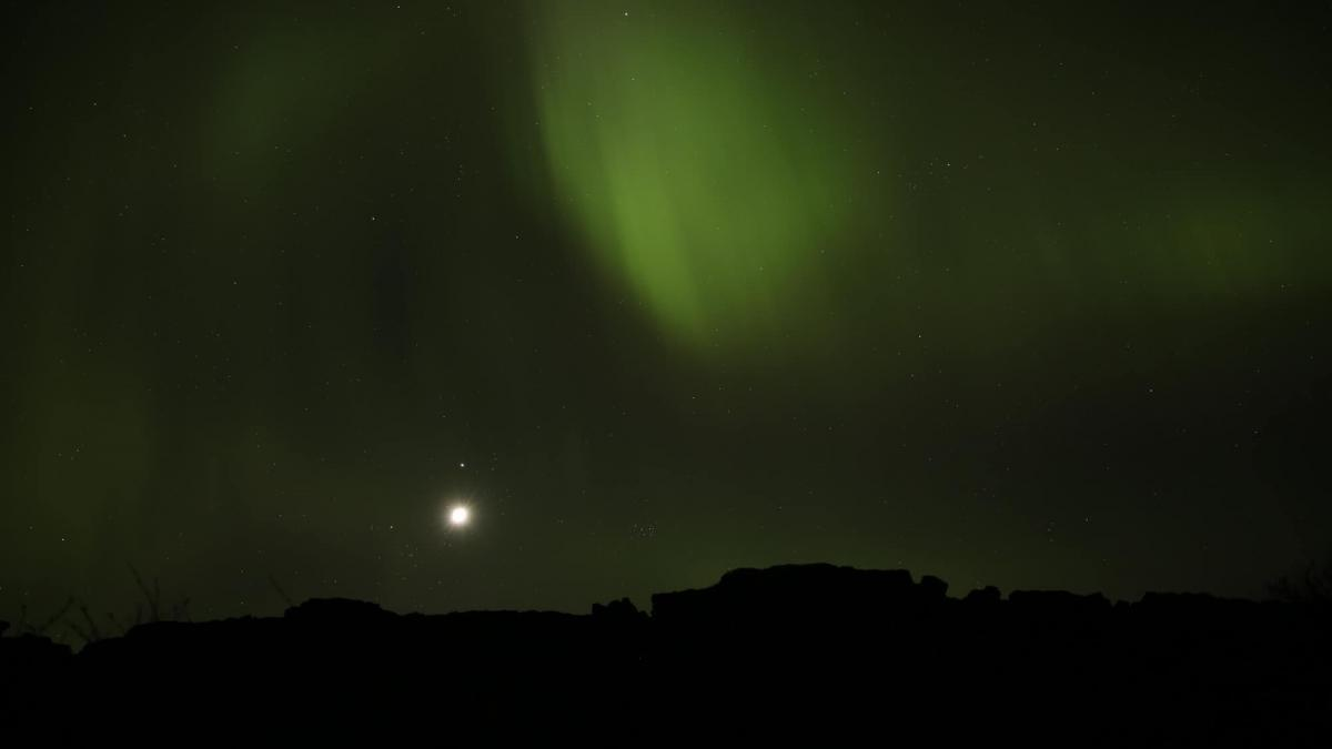Watch the Northern Lights Dance Above Thingvellir in Iceland