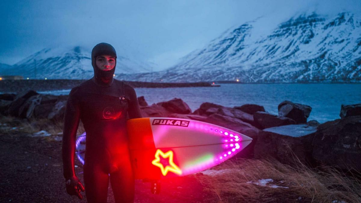 Iceland Winter Surfing – Riding the Frigid Waves of the North Atlantic