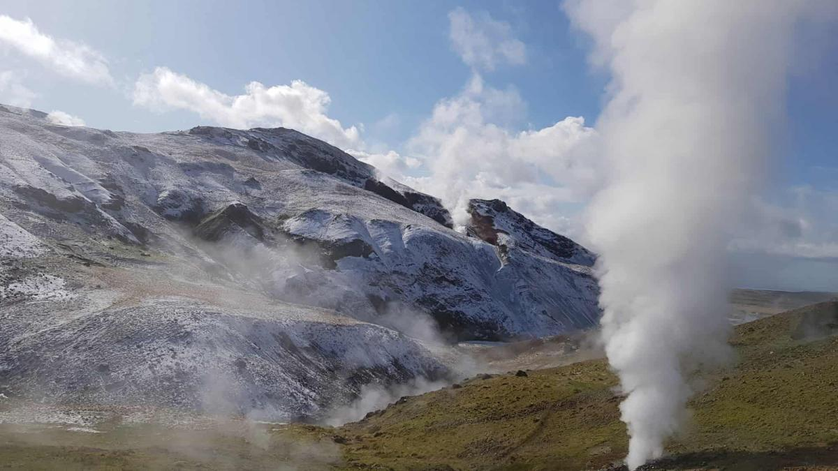 Go on a hike in Iceland – Get the full Icelandic Experience